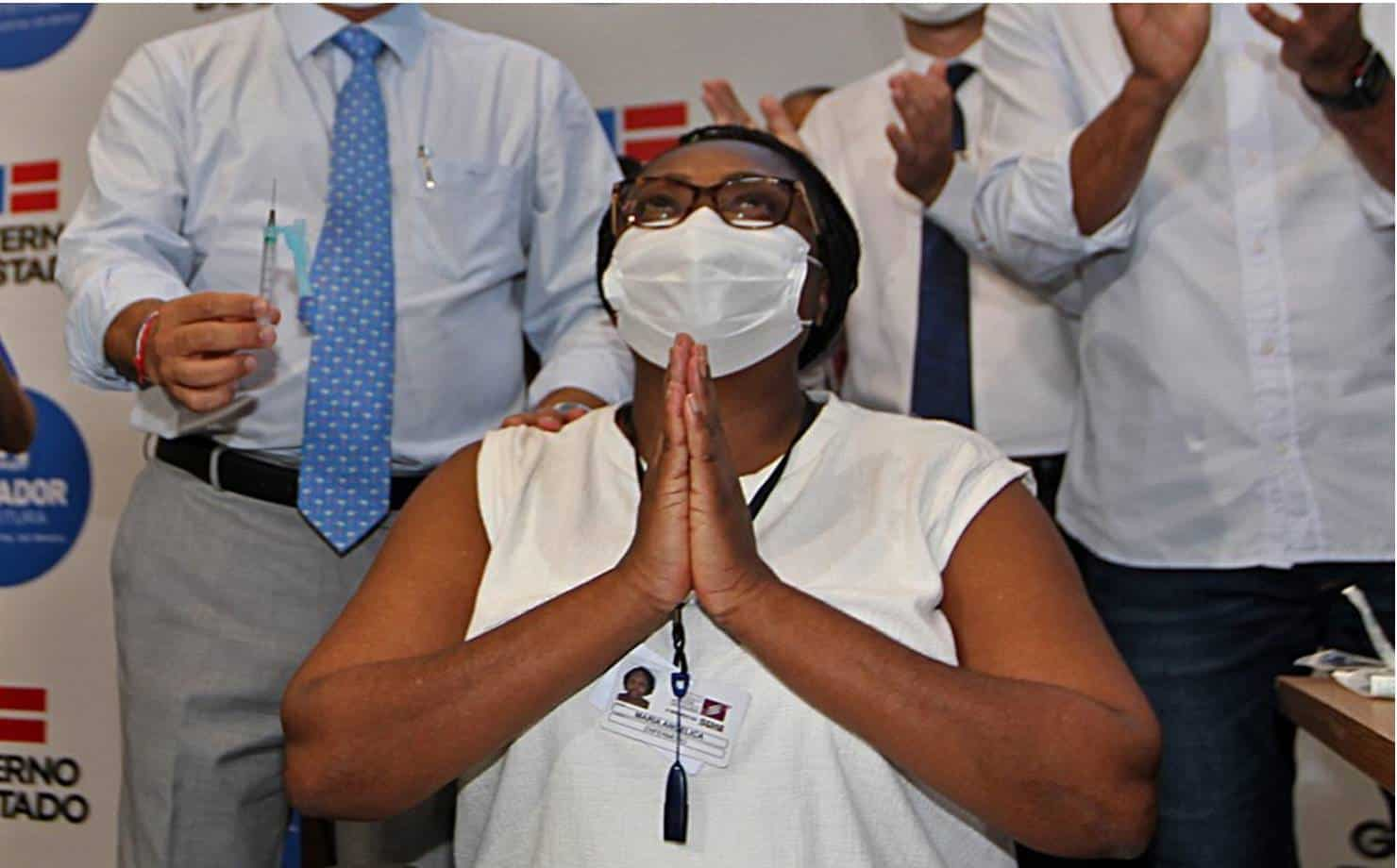Primeiras doses da vacinas contra a Covid-19 são aplicadas na Bahia