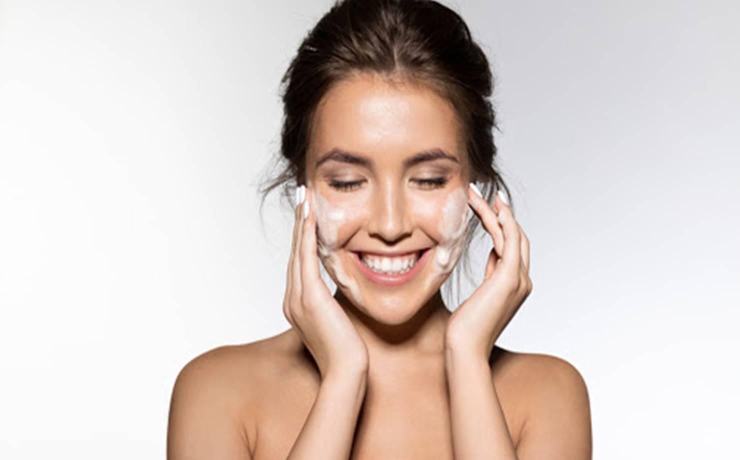 Esta máscara vai rejuvenescer a pele e deixá-la fresca e hidratada