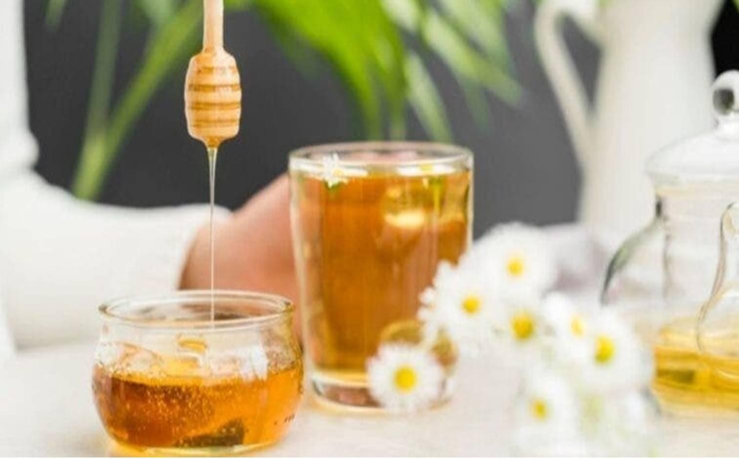 Dicas práticas para usar mel em sua rotina de beleza e ficar mais linda