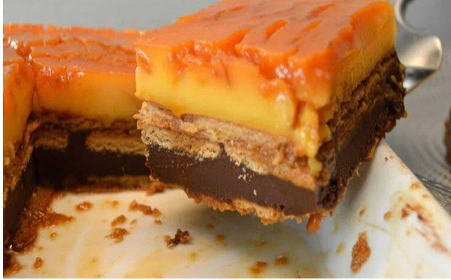 Receita deliciosa de bolo pudim com biscoitos e chocolate