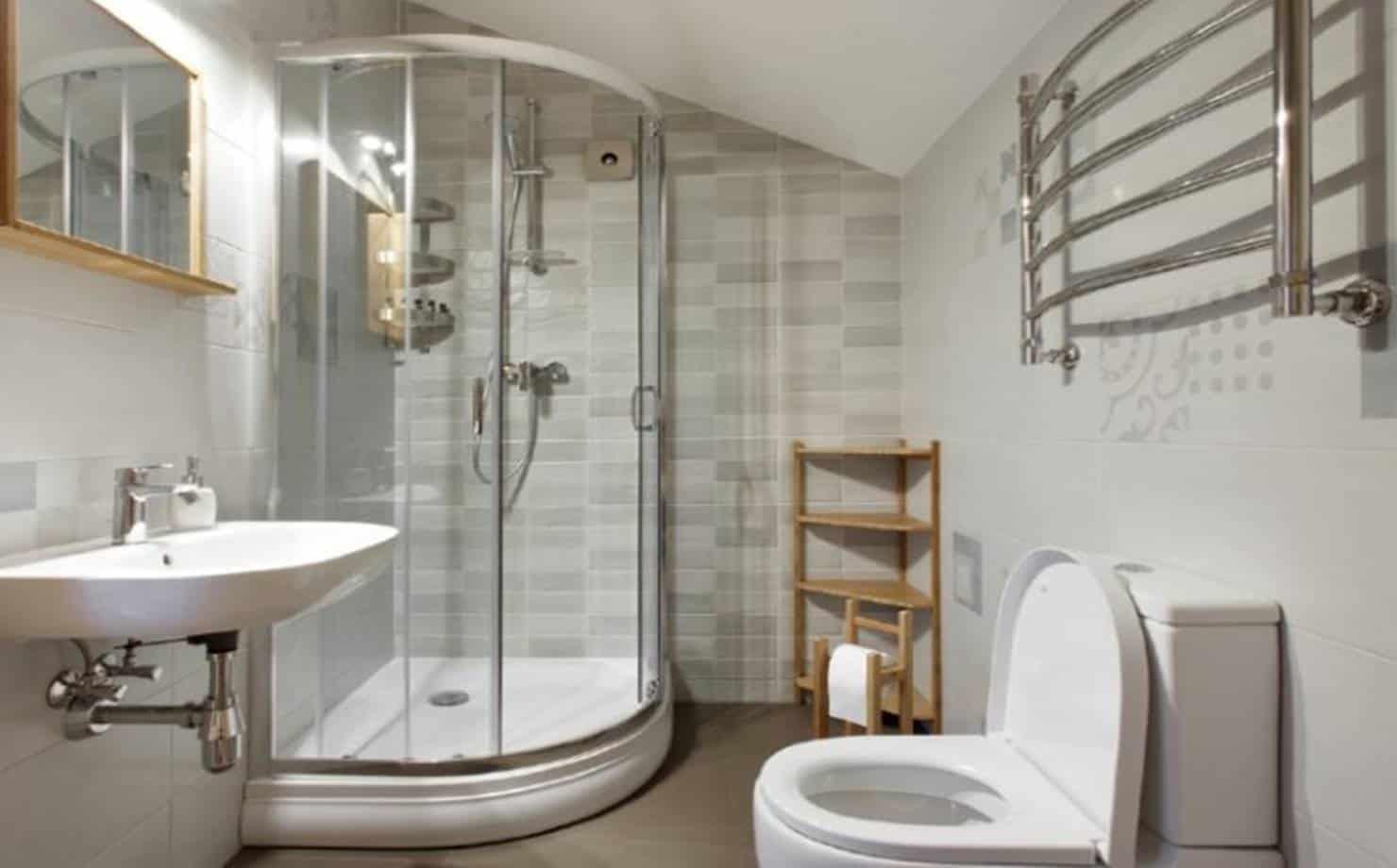 Aprenda a fazer um limpador multiuso e faça seu banheiro brilhar
