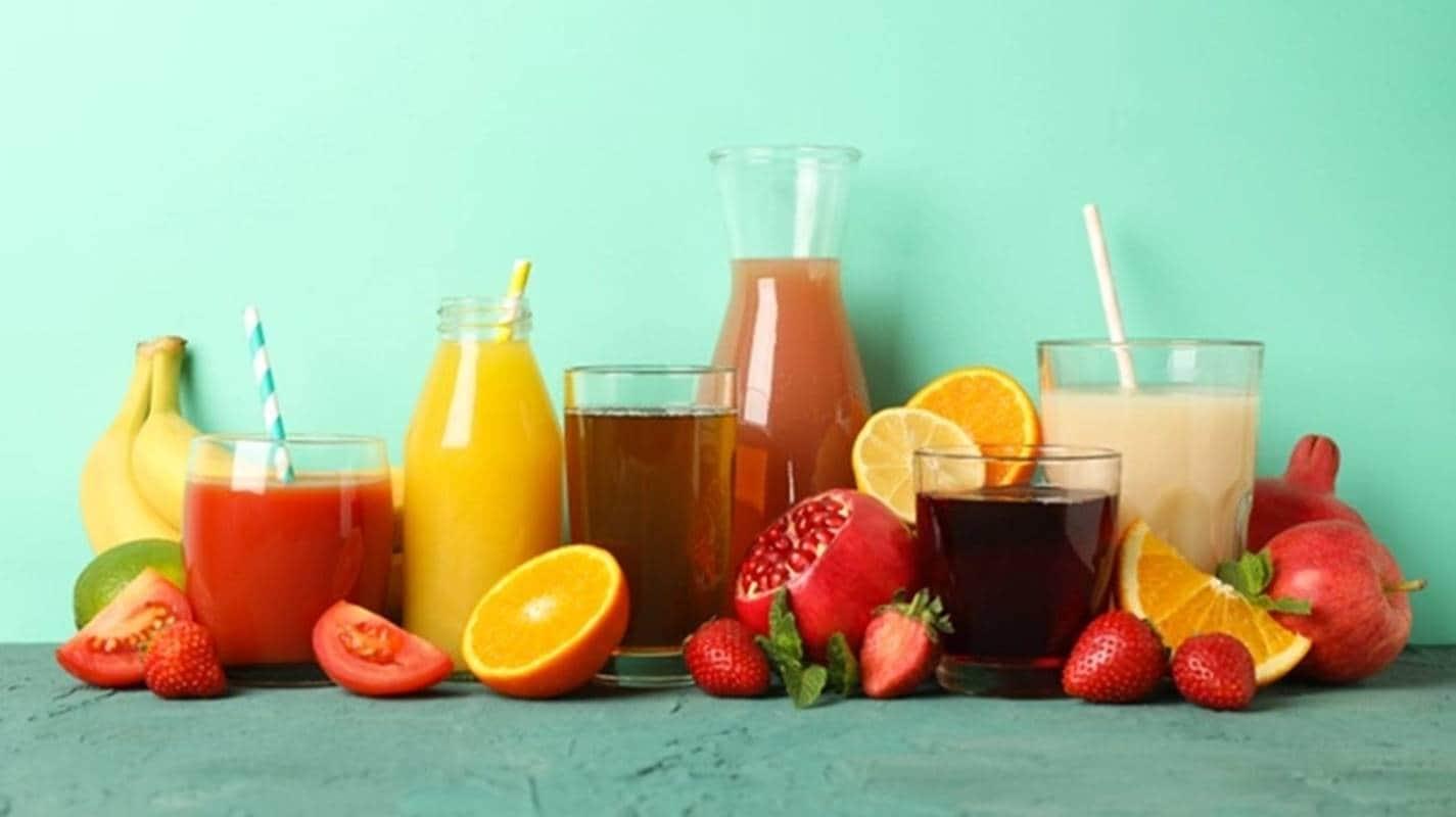 Prepare deliciosos sucos especiais para um café da manhã nutritivo