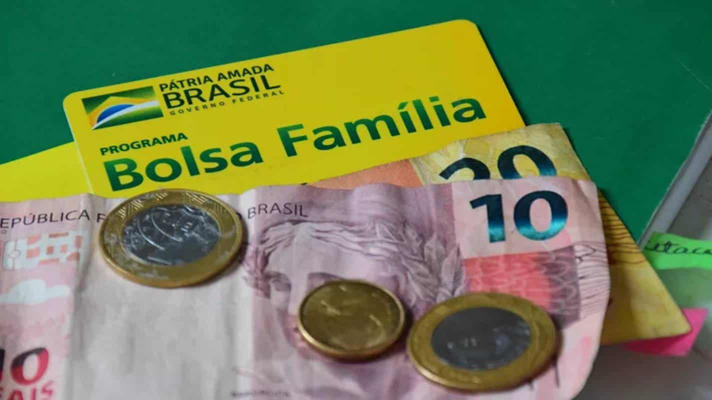 Bolsa Família encerra pagamentos de fevereiro nesta sexta (26); veja quem recebe