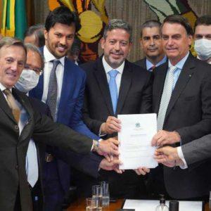 Bolsonaro e Deputados