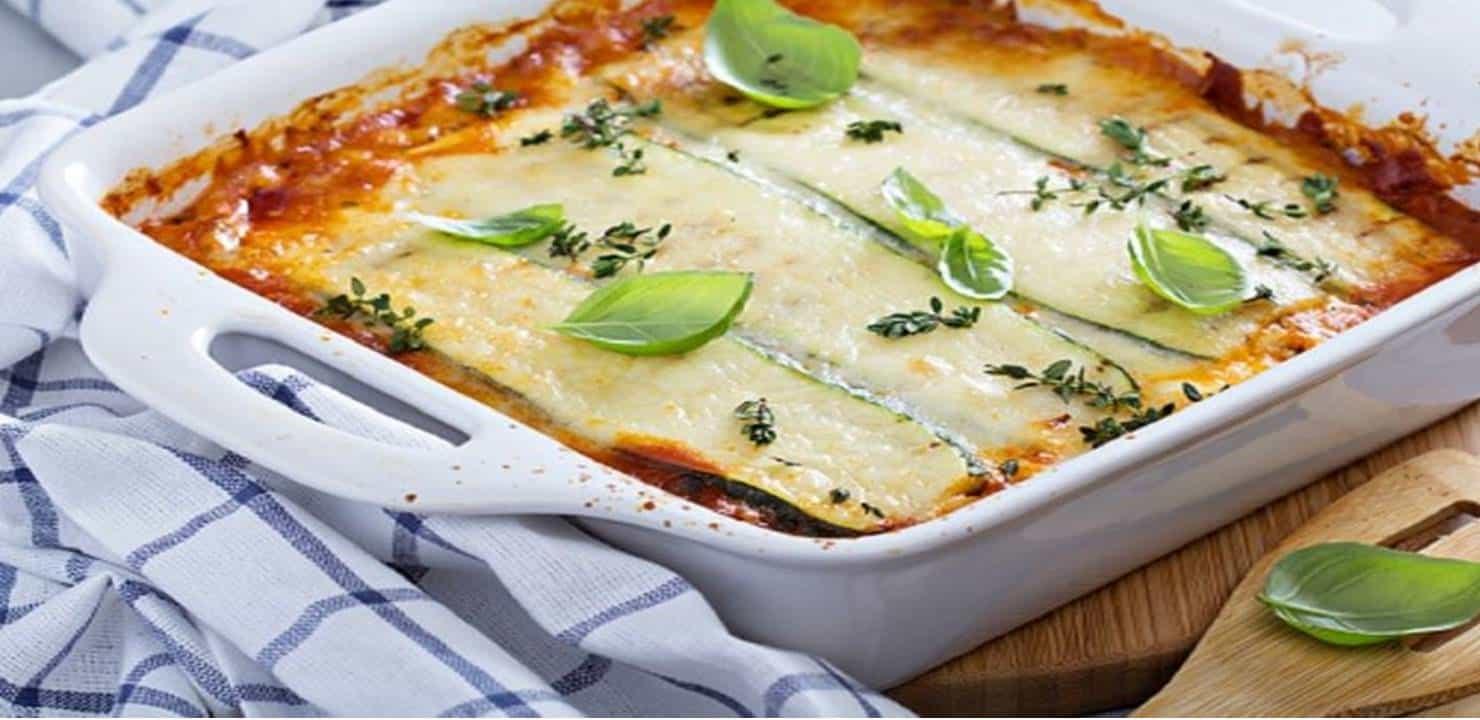 Almoço saudável: faça uma deliciosa lasanha de abobrinha
