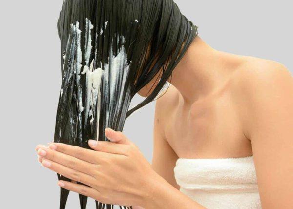 Cabelos secos e danificados? Recupere a saúde dos fios com essa máscara caseira