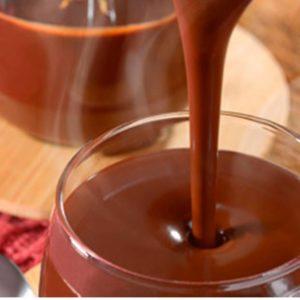 Creme de chocolate servido em taça