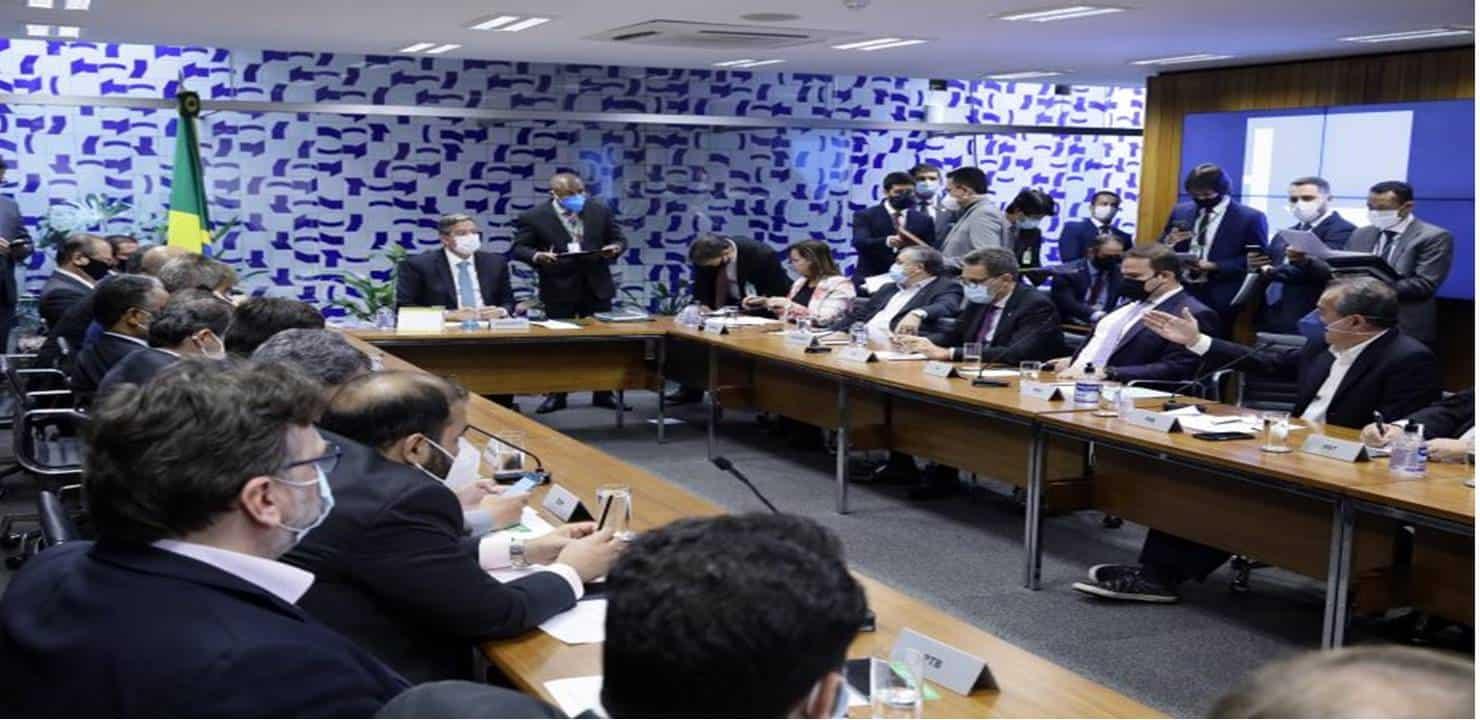 Mesa Diretora determina reativação do Conselho de Ética e representa contra Daniel Silveira