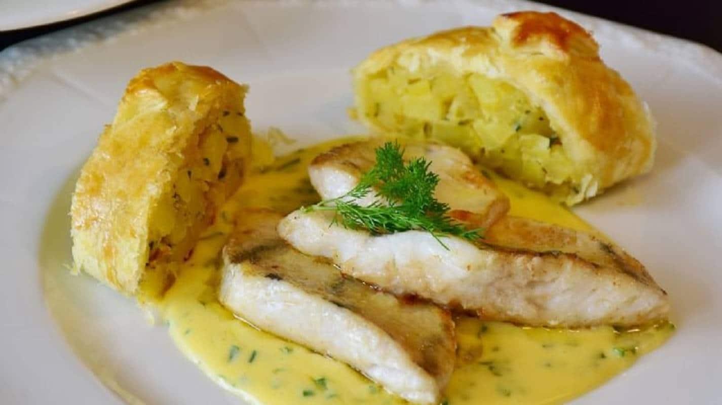 Prepare um delicioso filé de peixe com molho de milho nesta Páscoa