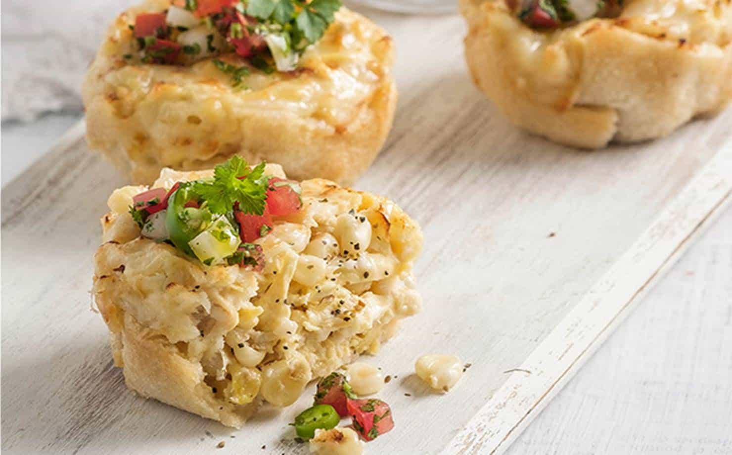 Muffins de pão com recheio de frango: um lanche fácil e delicioso