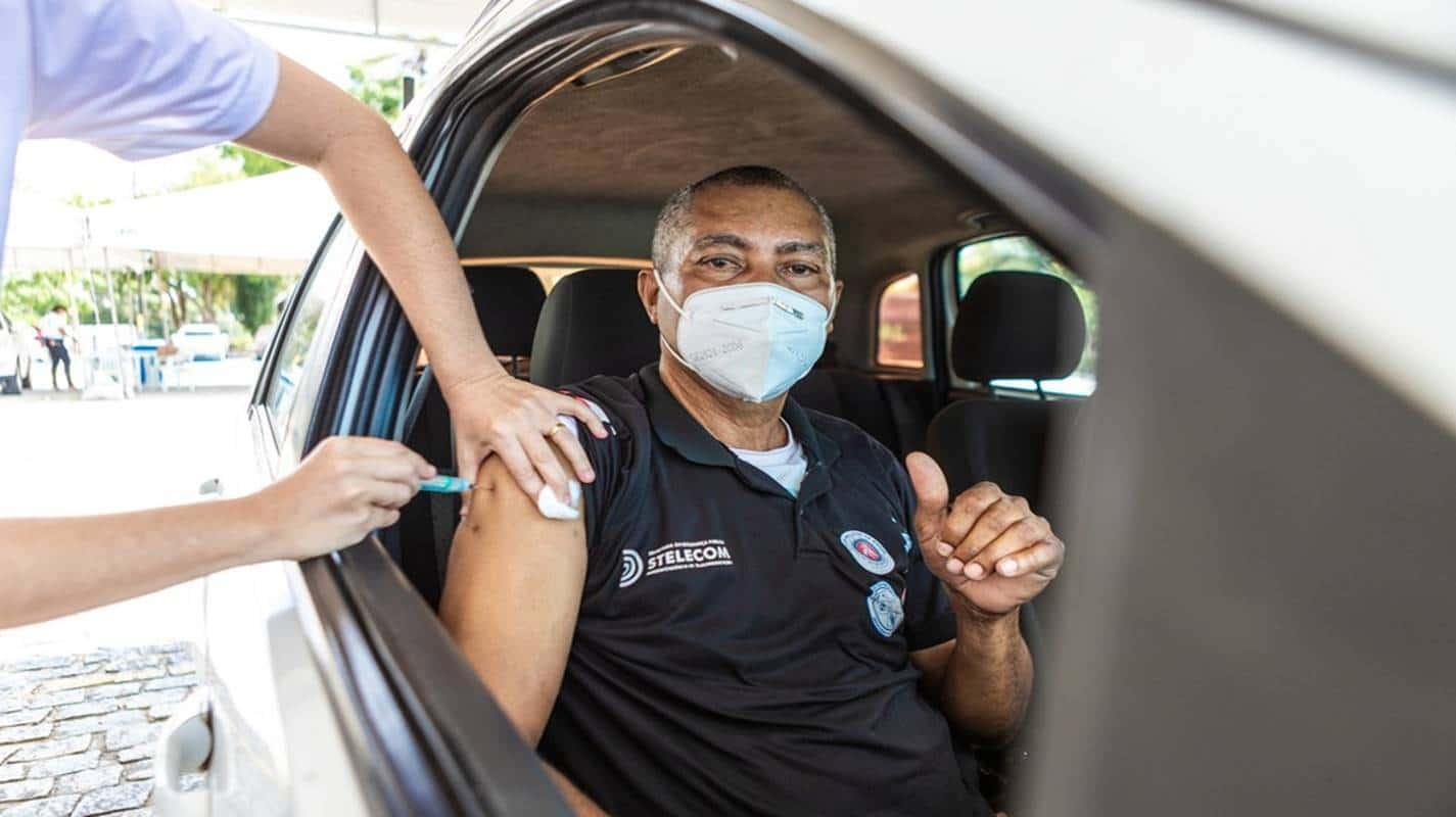 Policiais civis e guardas municipais começam a ser vacinados nesta quinta em Salvador